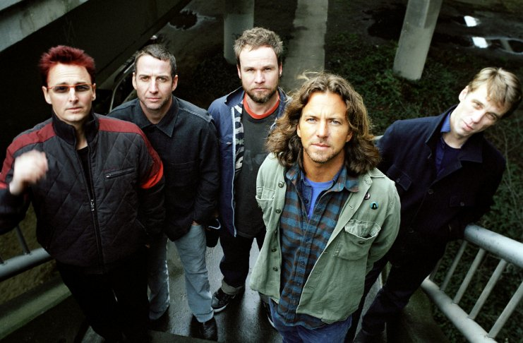 Pearl Jam pode ser headliner do Lollapalooza Brasil, segundo jornal